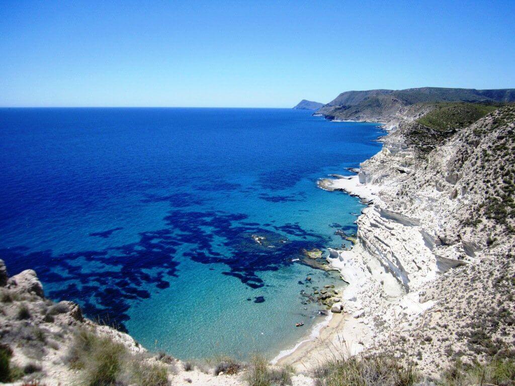 `playa almeria cala de enmedio nijar vacaciones verano