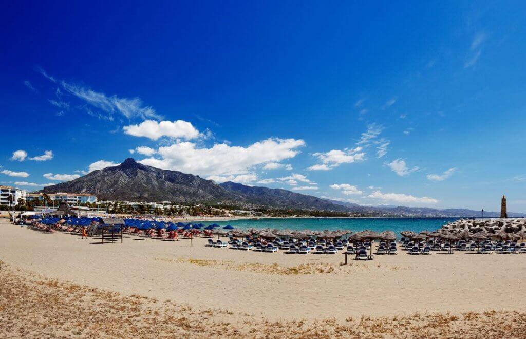 playa malaga marbella puerto banus vacaciones verano
