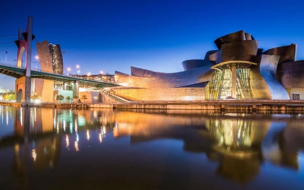 museo Guggenheim bilbao vizcaya viaje pais vasco turismo urbano