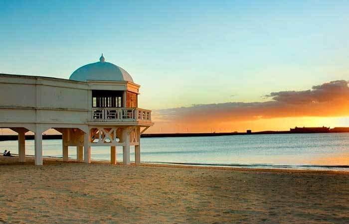playa cadiz la caleta vacaciones verano