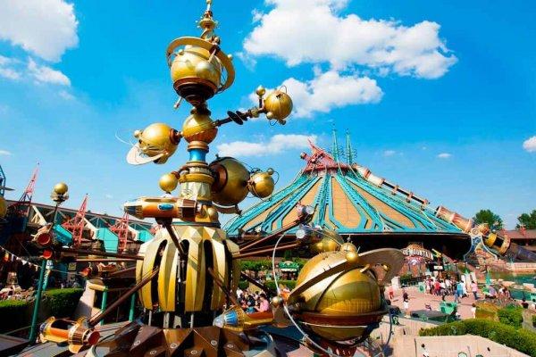 Orbitron-una-aventura-de-otra-galaxia-en-Disneyland-París-1